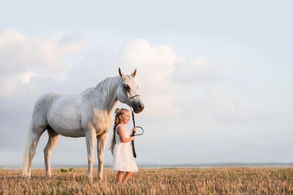 Kinderfotografie buiten met paard